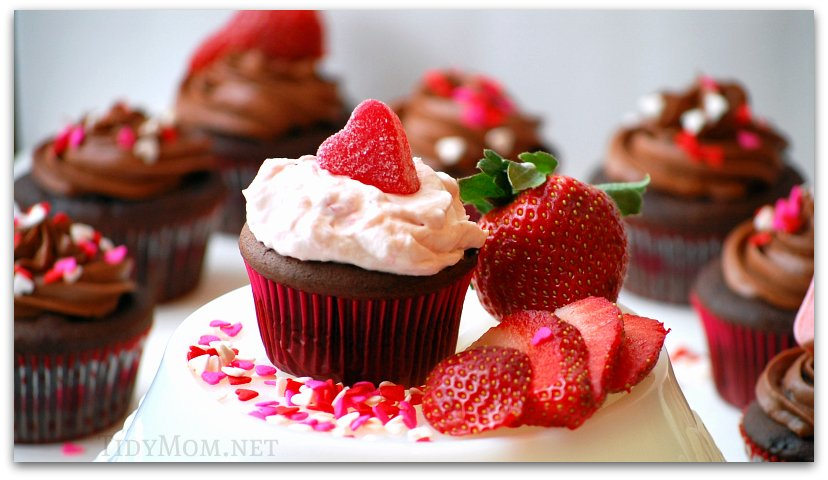 Strawberry Whipped Cream fillings, and Chocolate Cream Cheese Frosting ...