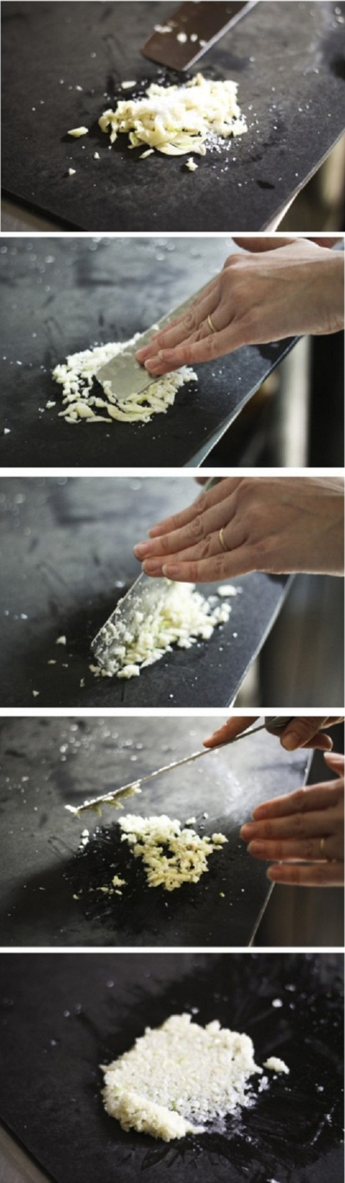 how to smashing-garlic-for-cooking recipe by cupcakepedia, garlic, smashing garlic, paste of garlic, garlic bread